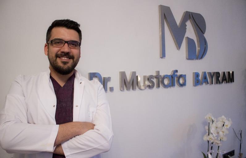 Uzm. Dermatolog Mustafa Bayram ile Akne ve Siyah Nokta Bakımında Yapılan En Büyük Hatalar!