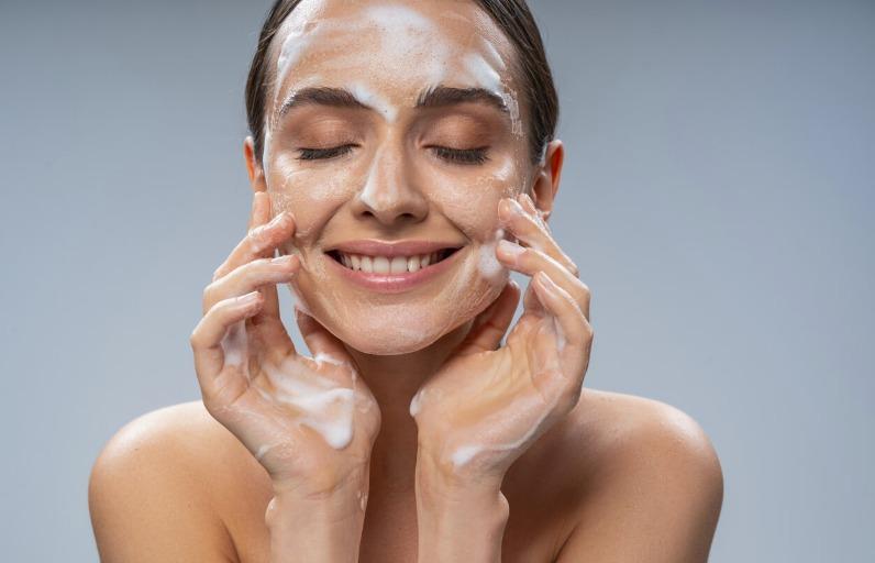 Garnier yüz temizleme ürünlerinden hangisi sana göre?