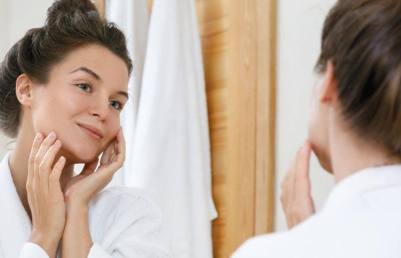 Cilt Lekeleri Dosyası: LHA (Lipohidroksi asit) Nedir? Ne İşe Yarar?