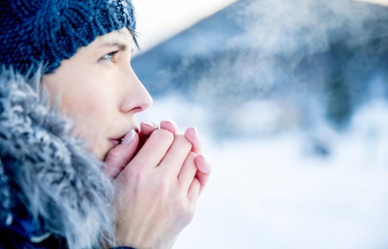 Kışın Kuruyan ve Çatlayan Eller İçin Bakım Önerileri