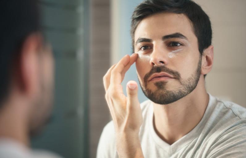 Erkekler İçin En İyi 5 Göz Altı Kremi