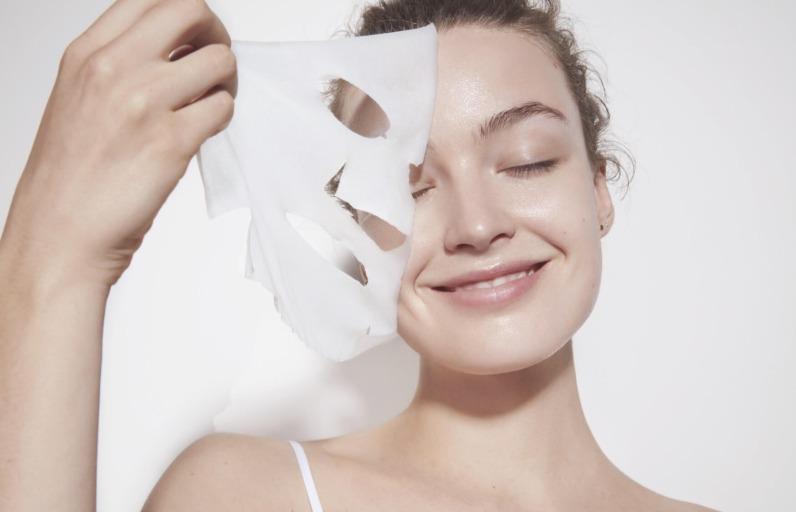 Deniyoruz: Garnier Hyaluronik Aloe Tazeleyici Kâğıt Yüz Maskesi
