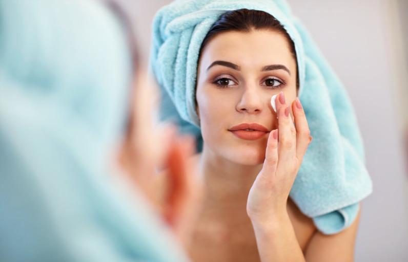 Göz Kremi Kullanmaya Kaç Yaşında Başlamalısın?