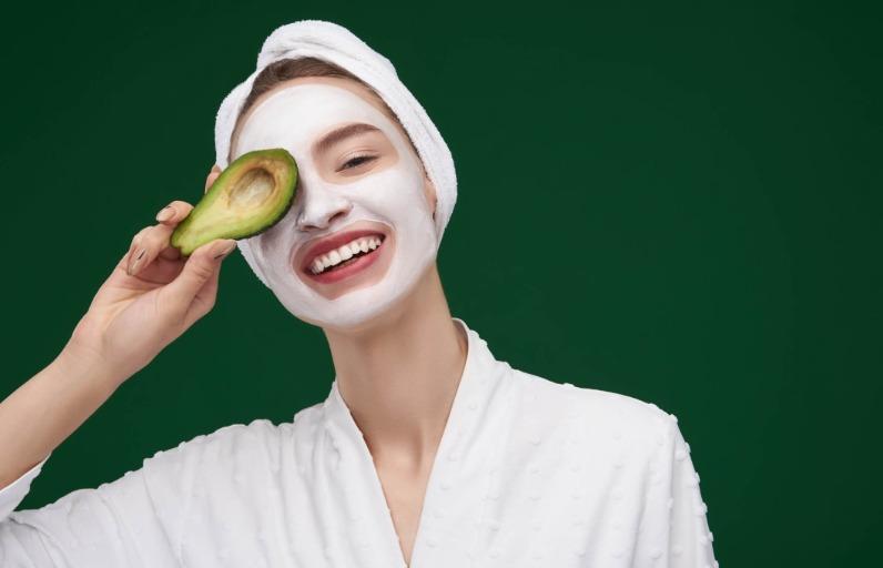 Öneriler: Yağlı Ciltler İçin En İyi 5 Bakım Maskesi
