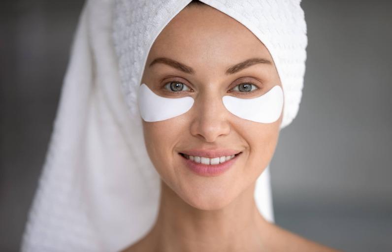 Göz Altı Morlukları İçin Evde Yapabileceğiniz 3 Doğal Maske
