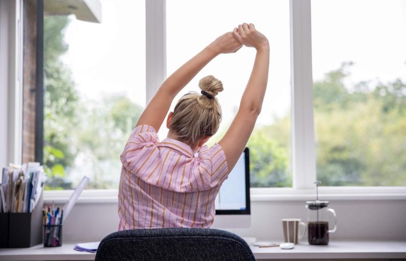 Çalışanlar için Masa Başı Egzersiz Önerileri