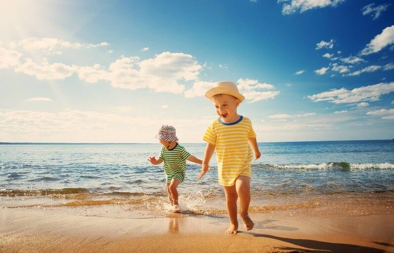 Çocuklar için Güneş Koruması Nasıl Olmalı?