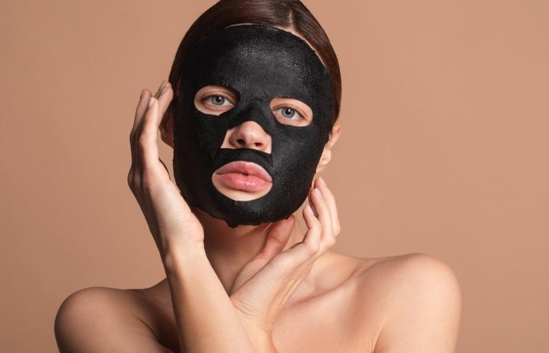 Siyah Kağıt Yüz Maskeleri Ciltte Ne İşe Yarar?